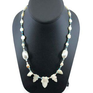 Jewelry - Vintage Mother of Pearl Leaf & Shell Bead Necklace